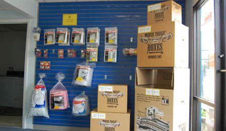 2939 Chenoweth Rd Akron, OH 44312 - Moving/Shipping Supplies