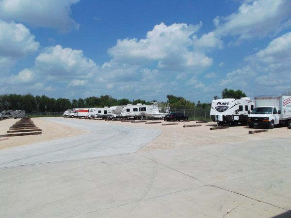 2545 E Griffin Pky Mission, TX 78572 - Car/Boat/RV Storage
