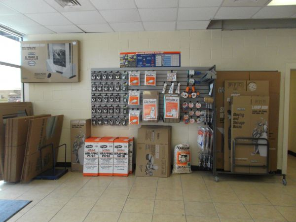 2545 E Griffin Pky Mission, TX 78572 - Moving/Shipping Supplies
