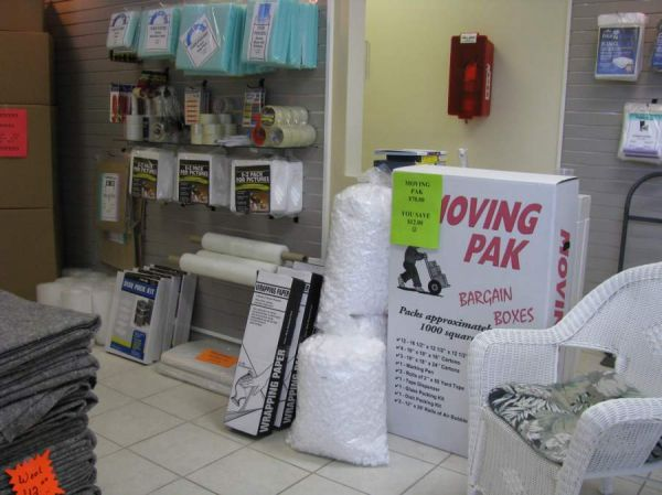 422 7th St West Palm Beach, FL 33401 - Moving/Shipping Supplies