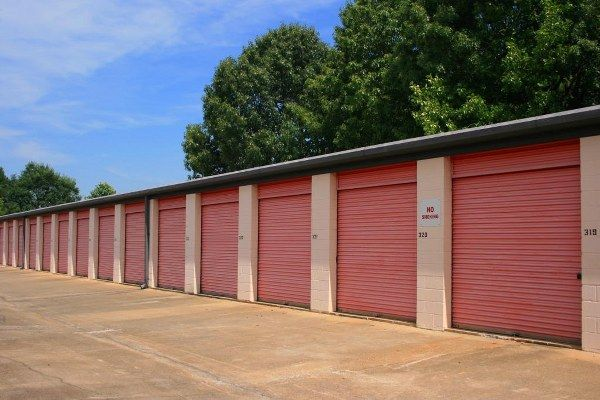 5050 Charbett Dr Atlanta, GA 30349 - Drive-up Units