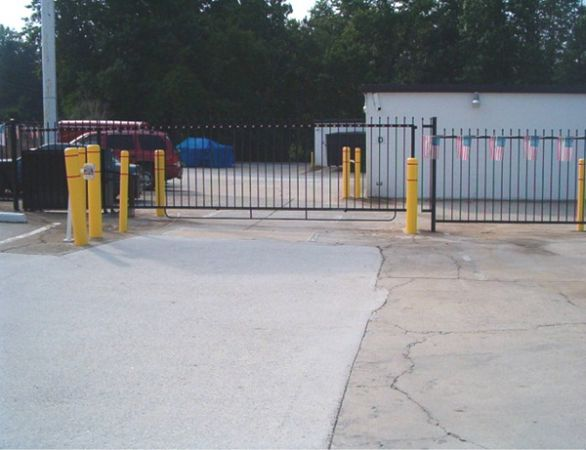 3391 N Druid Hills Rd Decatur, GA 30033 - Security Gate