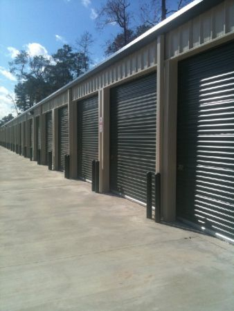 215 Wynne St Houston, TX 77009 - Drive-up Units