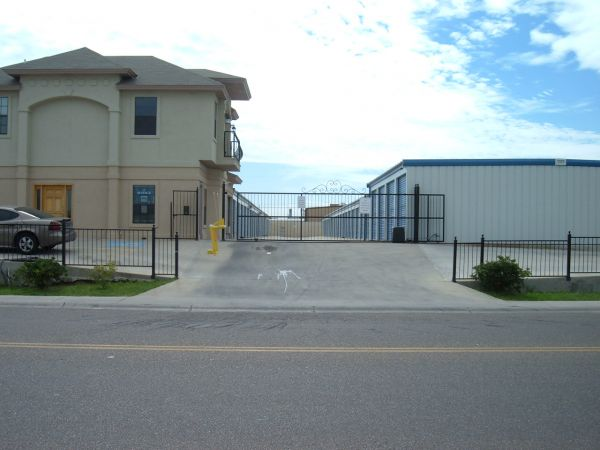 611 Gale St Laredo, TX 78041 - Road Frontage