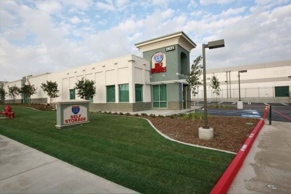 2631 Michelle Dr Tustin, CA 92780 - Storefront