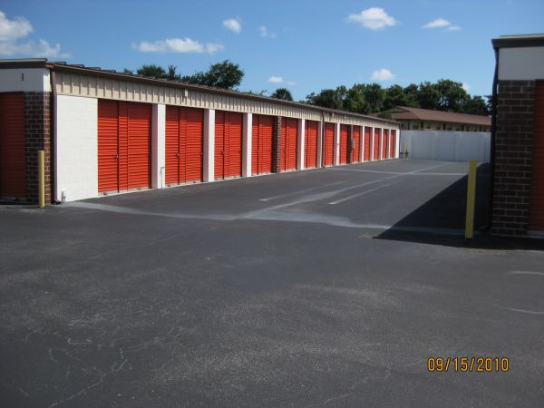 409 Big Tree Rd South Daytona, FL 32119 - Drive-up Units