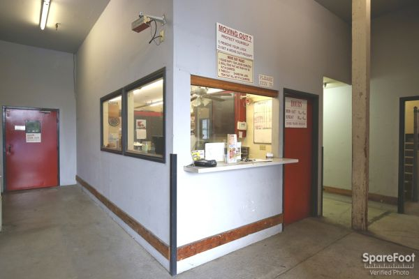 2270 S Centinela Ave Los Angeles, CA 90064 - Front Office Interior
