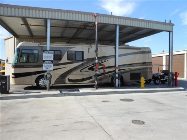 3515 W Dakota Ave Fresno, CA 93722 - Car/Boat/RV Storage