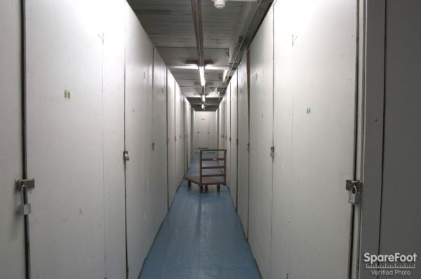 2648 15th Ave W Seattle, WA 98119 - Interior Hallway