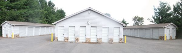 2860 Roanoke St Christiansburg, VA 24073 - Drive-up Units