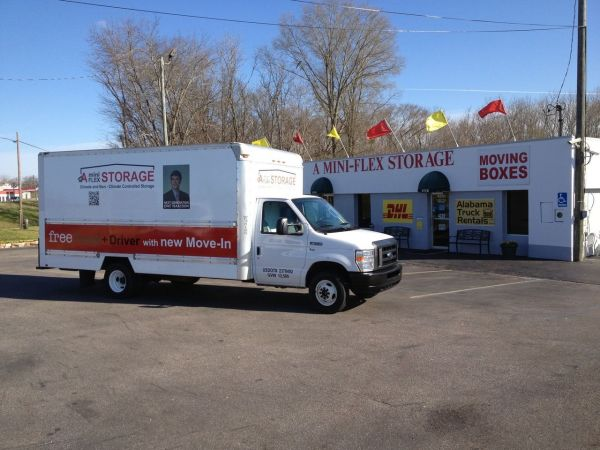 4220 Troy Hwy Montgomery, AL 36116 - Moving Truck