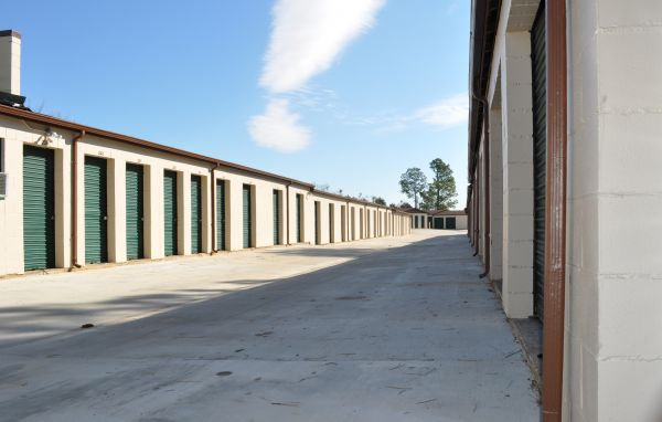 4365 Virginia Loop Rd Montgomery, AL 36116 - Drive-up Units|Driving Aisle