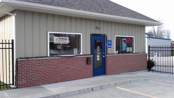 8470 Dixie Hwy Florence, KY 41042 - Storefront