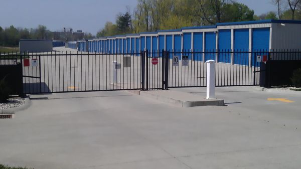 8470 Dixie Hwy Florence, KY 41042 - Security Gate