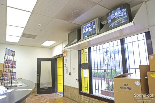 1430 E Anaheim St Long Beach, CA 90813 - Front Office Interior