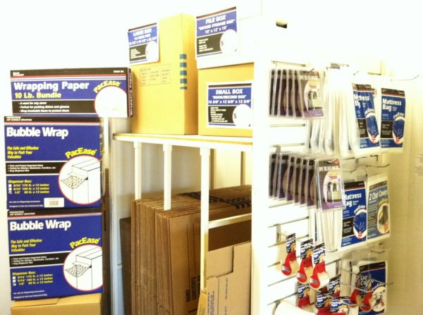 15025 Oxnard Street Van Nuys, CA 91411 - Moving/Shipping Supplies