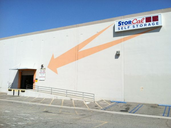 20525 Nordhoff St Chatsworth, CA 91311 - Storefront