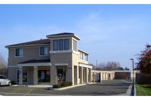 1106 Corporate Way Sacramento, CA 95831 - Storefront