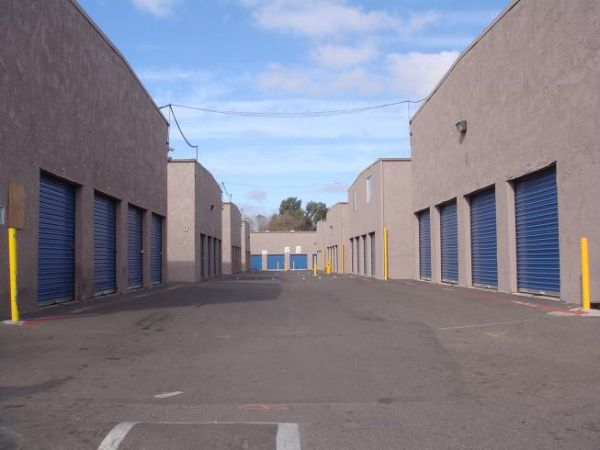 2310 VIA TERCERO SAN YSIDRO, CA 92173 - Drive-up Units|Driving Aisle
