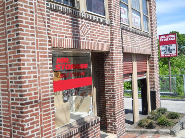 355 W Main St Norristown, PA 19401 - Storefront