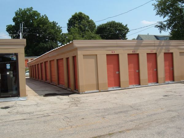 6758 Ridge Avenue Philadelphia, PA 19128 - Drive-up Units