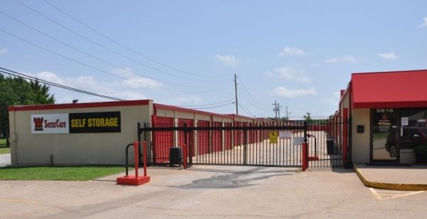 5815 S Mingo Rd Tulsa, OK 74146 - Security Gate|Storefront