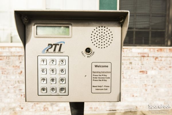 7702 SE 92nd Ave Portland, OR 97266 - Security Keypad