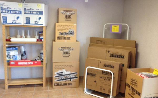30320 Beck Rd Wixom, MI 48393 - Moving/Shipping Supplies