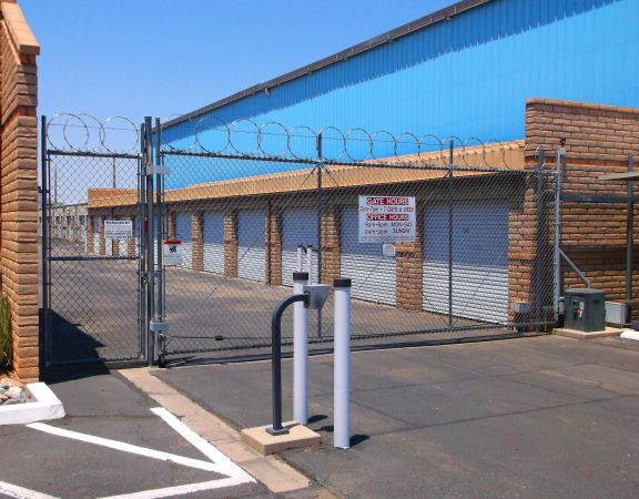 7041 N Camino Martin Tucson, AZ 85741 - Security Gate