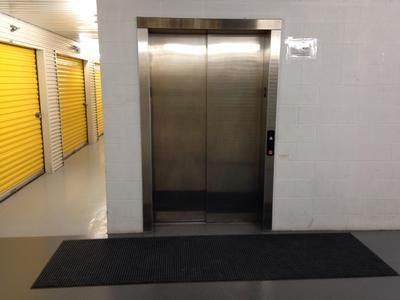 802 E Richey Rd Houston, TX 77073 - Elevator