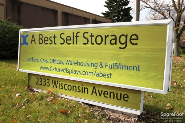 2333 Wisconsin St Downers Grove, IL 60515 - Signage