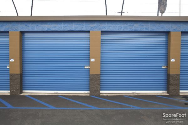 1305 N Gaffey St San Pedro, CA 90731 - Drive-up Units