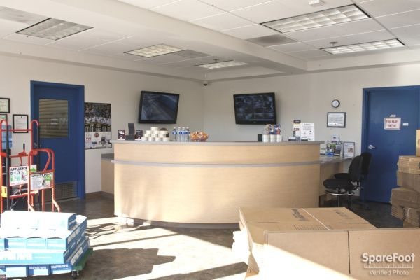 1305 N Gaffey St San Pedro, CA 90731 - Front Office Interior