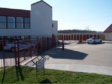 701 Mo-291 Liberty, MO 64068 - Security Gate