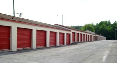 1913 Skyway Dr Monroe, NC 28110 - Drive-up Units