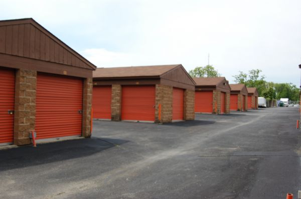 3150 Leonardtown Rd Waldorf, MD 20601 - Drive-up Units
