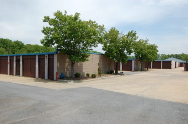 72 Industrial Park Dr Waldorf, MD 20602 - Drive-up Unit