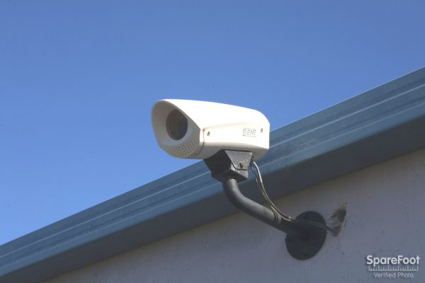 9111 Jordan Ave Chatsworth, CA 91311 - Security Camera