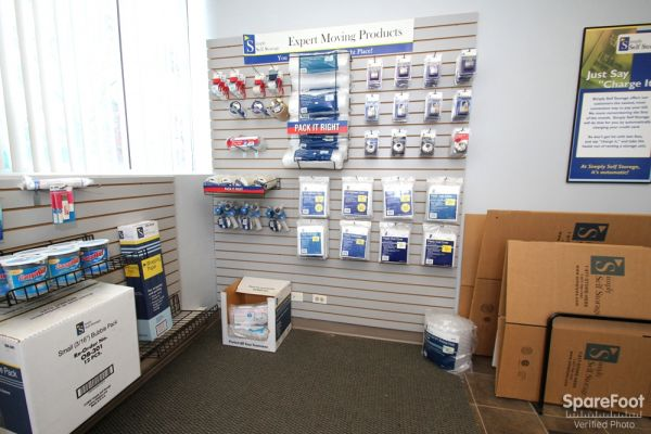 177 Deer Lake Rd Deerfield, IL 60015 - Moving/Shipping Supplies