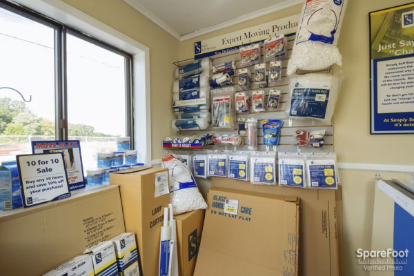 881 Weir Dr Woodbury, MN 55125 - Moving/Shipping Supplies