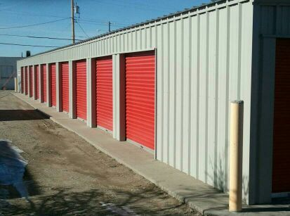 1525 M St Gering, NE 69341 - Drive-up Units