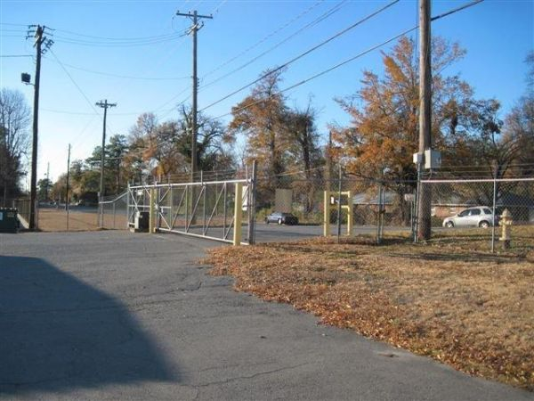 3400 W 28th Ave Pine Bluff, AR 71603 - Security Gate