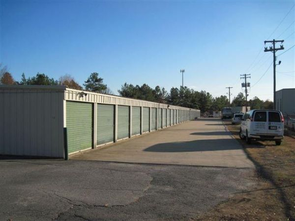 3400 W 28th Ave Pine Bluff, AR 71603 - Driving Aisle|Drive-up Units