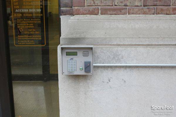 1353 S Wabash Ave Chicago, IL 60605 - Security Keypad