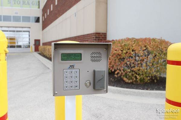 9001 West 47th Street McCook, IL 60525 - Security Keypad