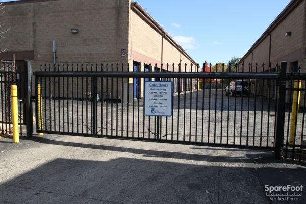 747 Milwaukee Ave Glenview, IL 60025 - Security Gate