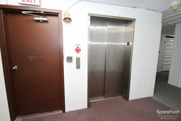 747 Milwaukee Ave Glenview, IL 60025 - Elevator