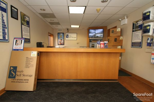 747 Milwaukee Ave Glenview, IL 60025 - Front Office Interior