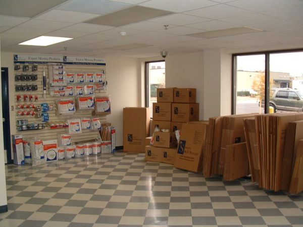 749 Beachway Dr Indianapolis, IN 46224 - Moving/Shipping Supplies