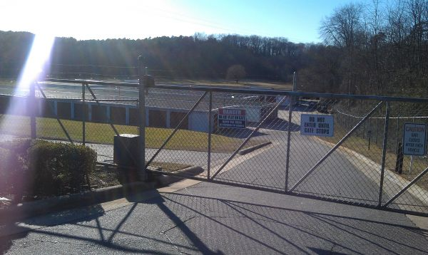 120 Pump Station Rd Statesville, NC 28625 - Security gate|Storefront|Driving aisle